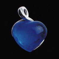 Hängsmycke med mörkblått hjärta(modell mindre)