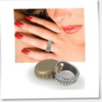 Bling bling-ring med kapsylöppnare