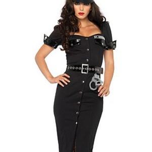 Elegant, stilig poliskvinna