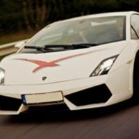Kör supersportbil